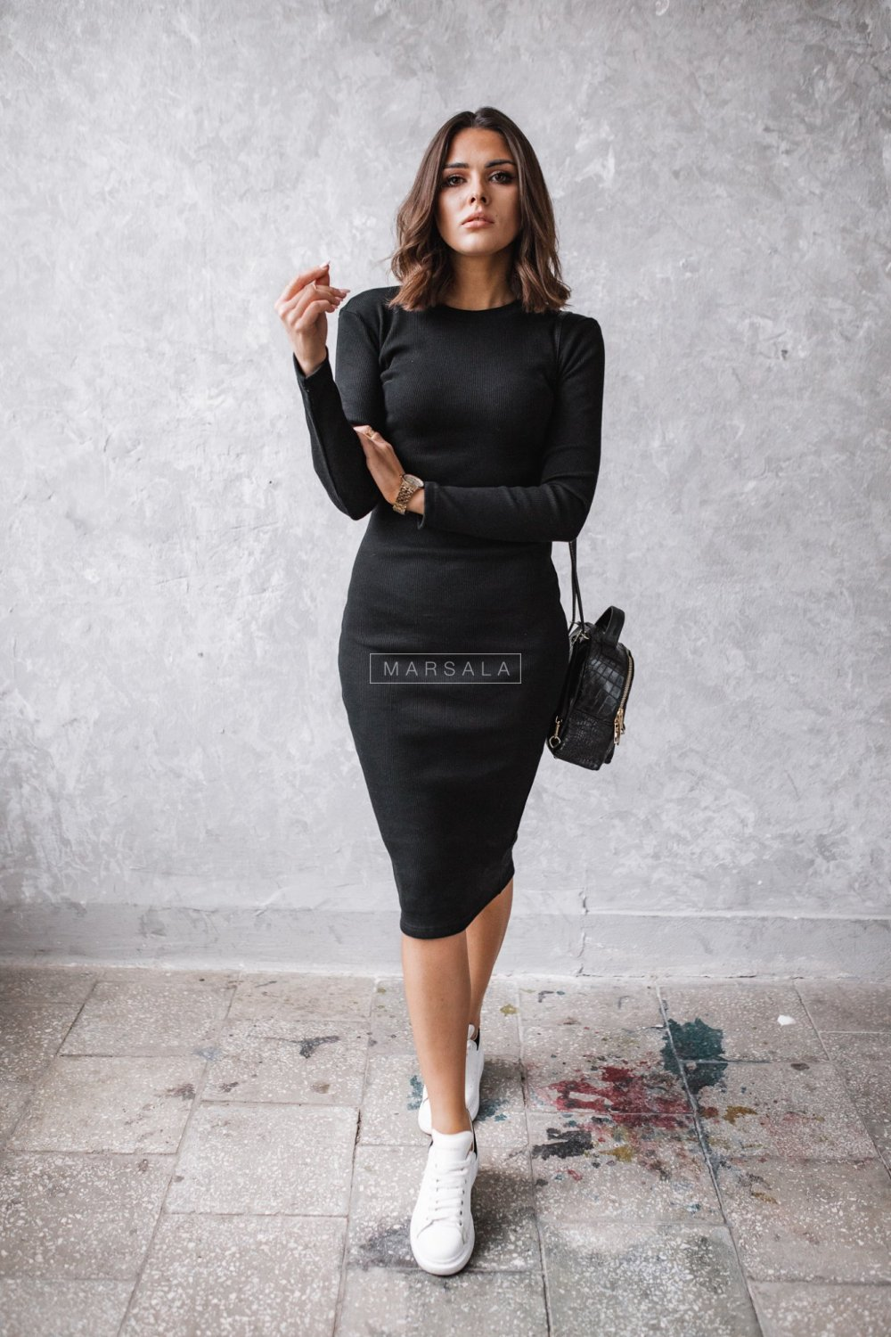 Fitted maxi dress in black - KYLIE MIDI