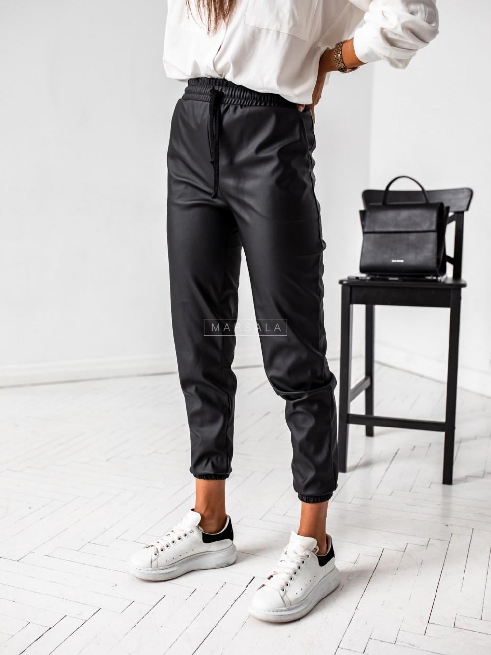Spodnie joggery z imitacji skóry czarne - BELFAST BLACK by Marsala