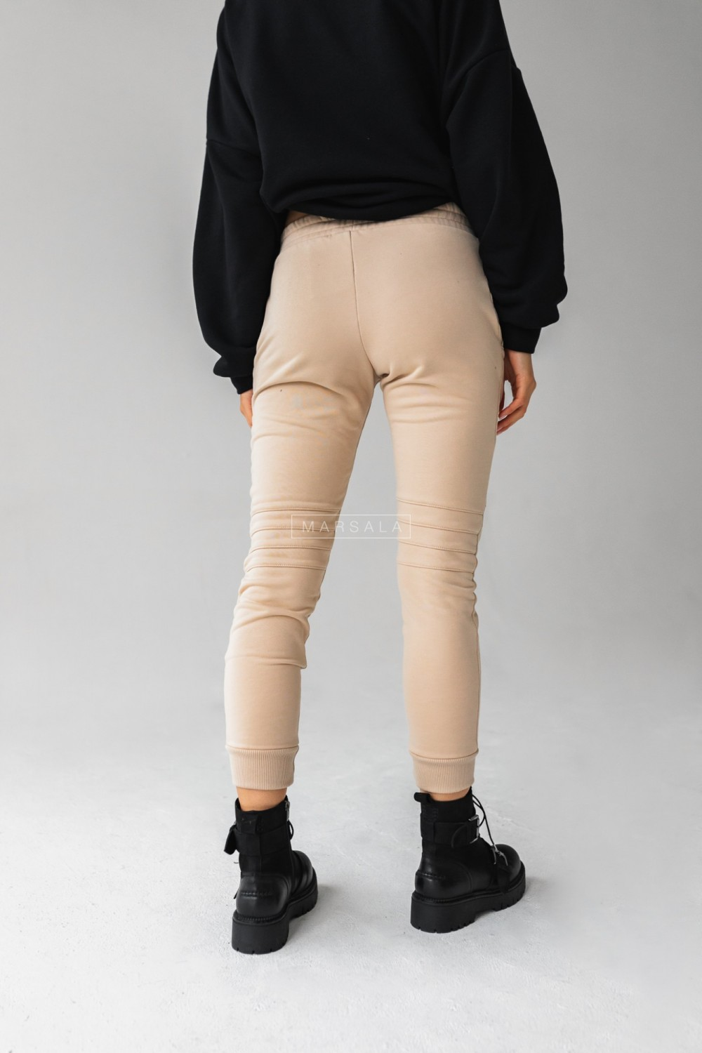 Beige tracksuit bottoms with stitching - SIMON by Marsala