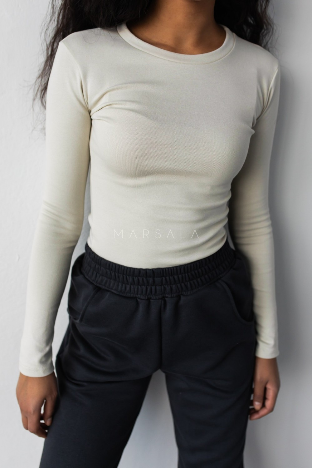 Fitted long sleeve top in CANNOLI CREAM - MOODY BY MARSALA