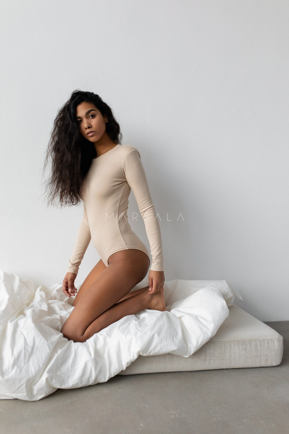 Long sleeved bodysuit with colored puff sleeve CLASSIC BEIGE - CONDITION BY MARSALA
