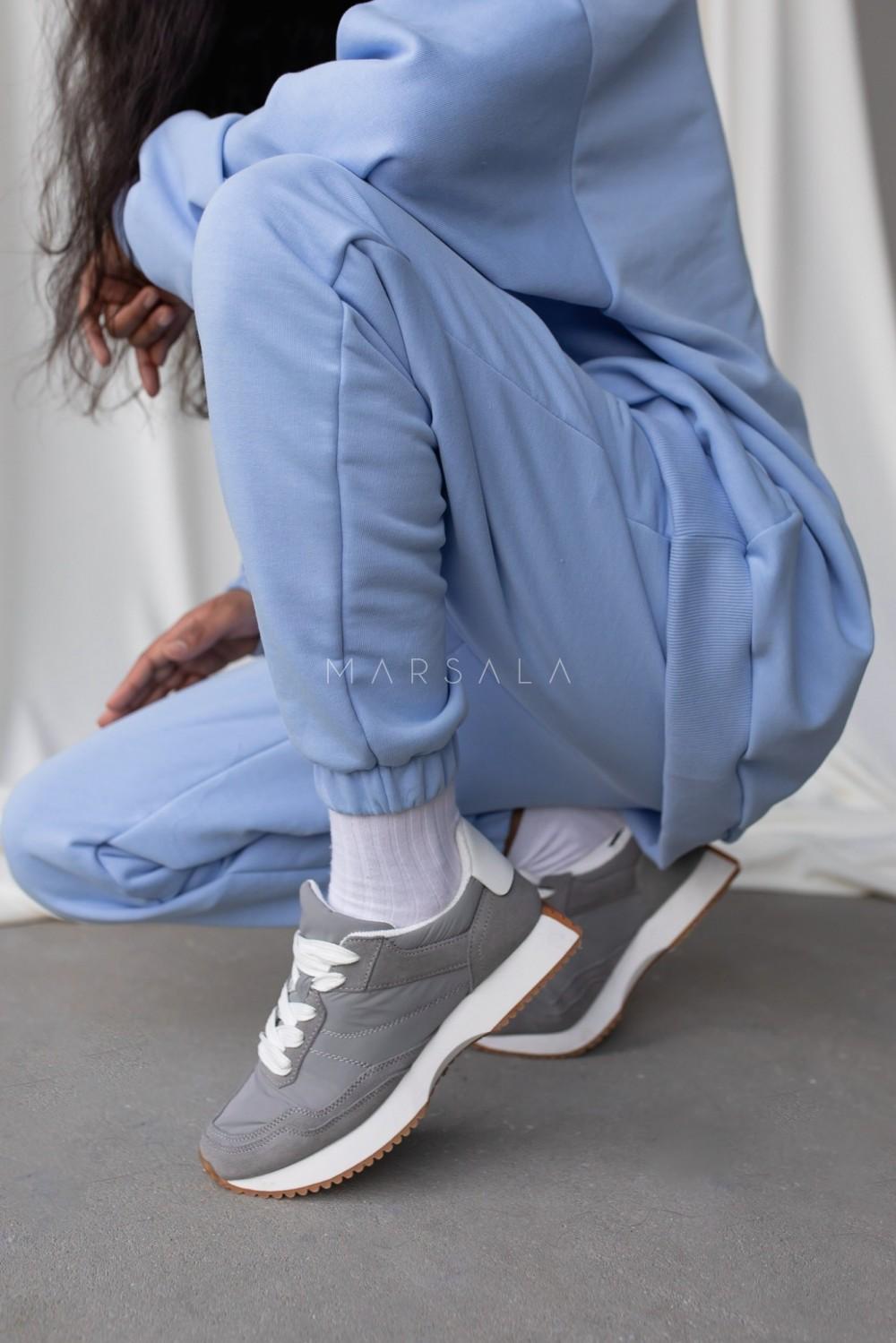 Spodnie dresowe typu jogger w kolorze CORNFLOWER BLUE - DISPLAY by Marsala