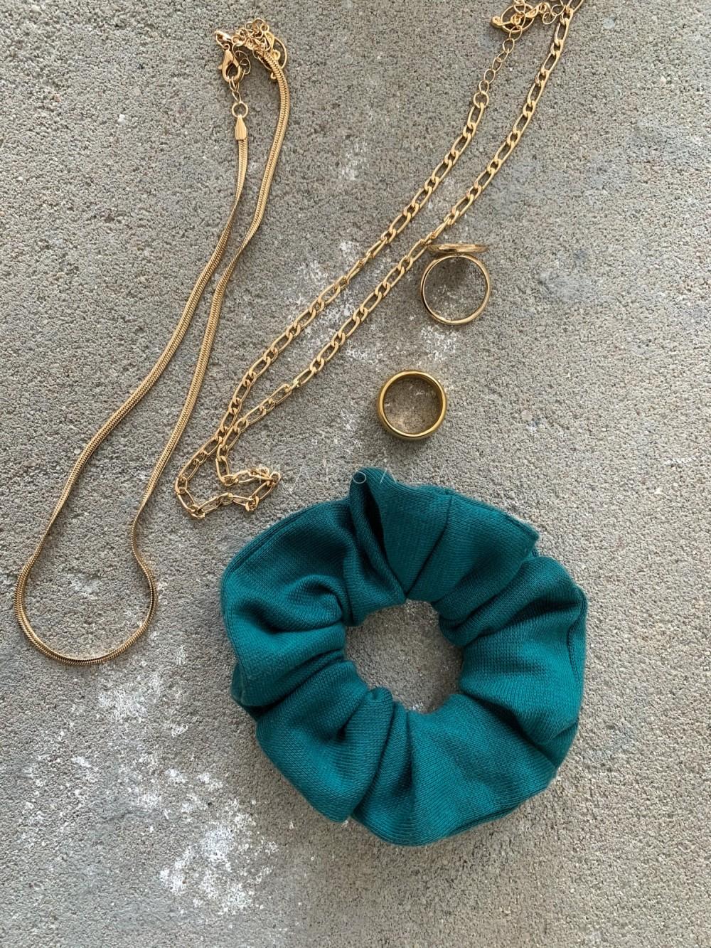 Gumka/frotka do włosów z dzianiny prążkowanej w kolorze bottle green EMI by MARSALA