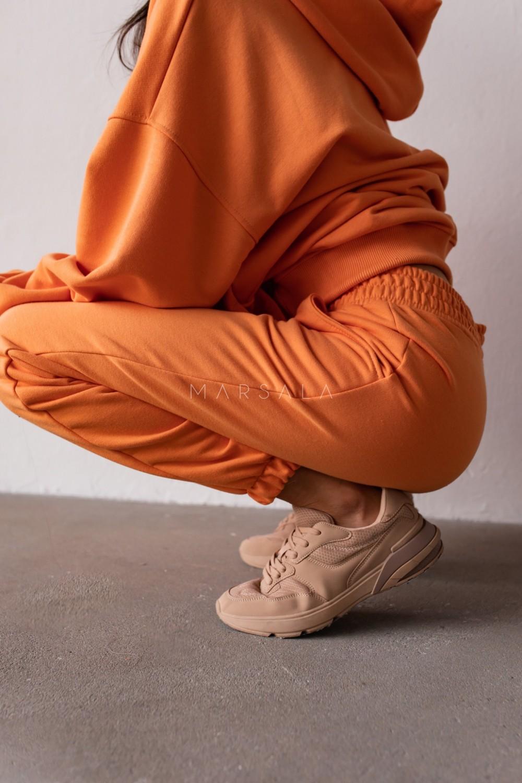 Spodnie dresowe typu jogger w kolorze EXOTIC ORANGE - DISPLAY BY MARSALA