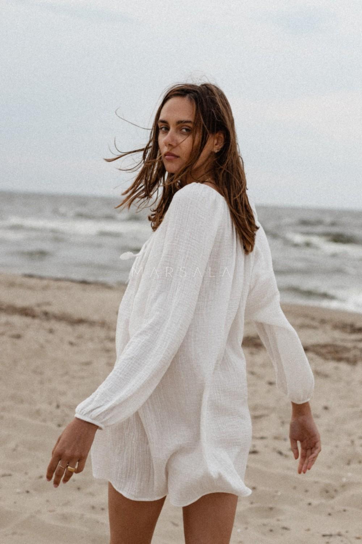 Sukienka/tunika oversize z muślinu bawełnianego w kolorze ecru - BALM BY MARSALA