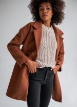 Oversizowa jesień – poznaj obszerne streetwearowe płaszcze