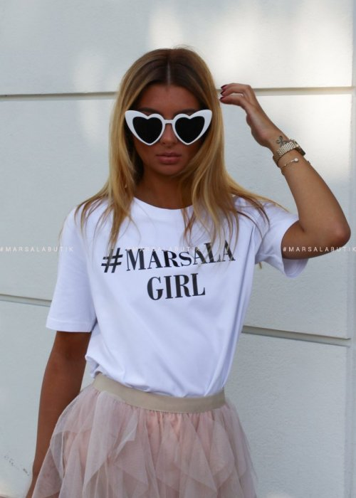 T shirt #MarsalaGirl biały z czarnym napisem x Karolina
