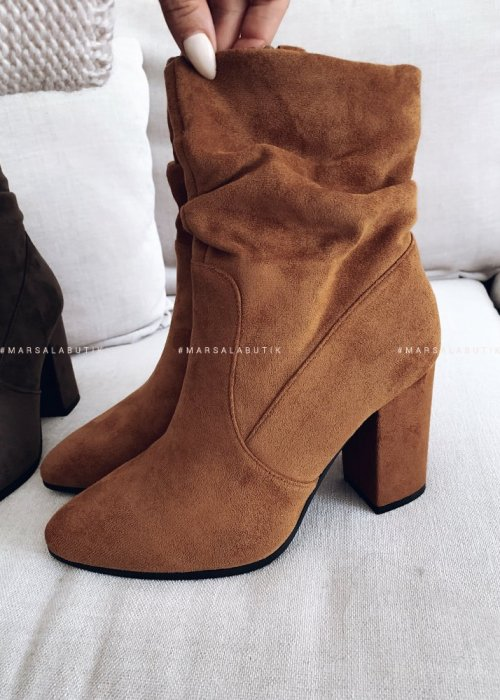 Smooth camel suede ankle boots – ELEGANT