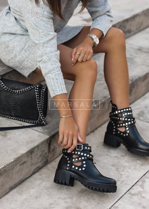 Studded boots with cut-out – HEAVY
