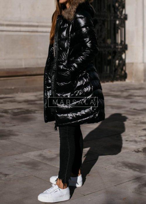 Kurtka/Płaszcz w kolorze czarnym z kapturem i futrem - SMITH
