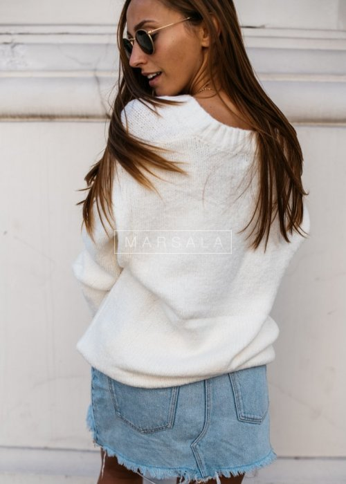 Thick V neck ecru sweater – COSY