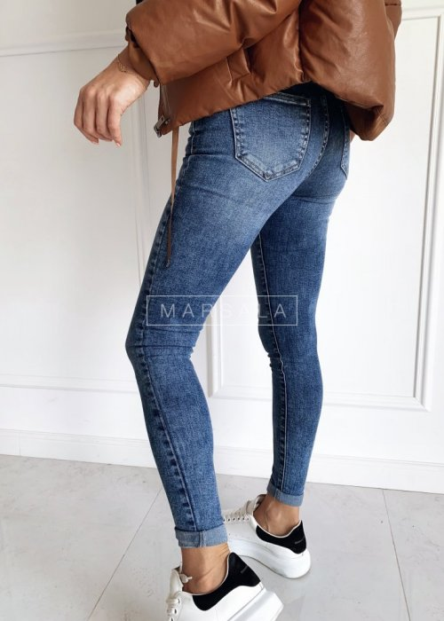 Denim trousers with a rolled up leg - NAVY STREET