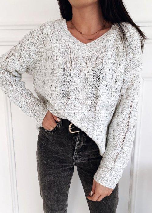 Sweter w warkoczowy splot z ozdobną nitką i dekoltem w kształcie V jasnoszary - ANGIE