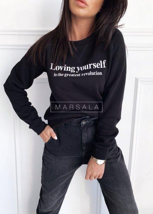 Bluza w kolorze czarnym z napisem LOVING YOURSELF