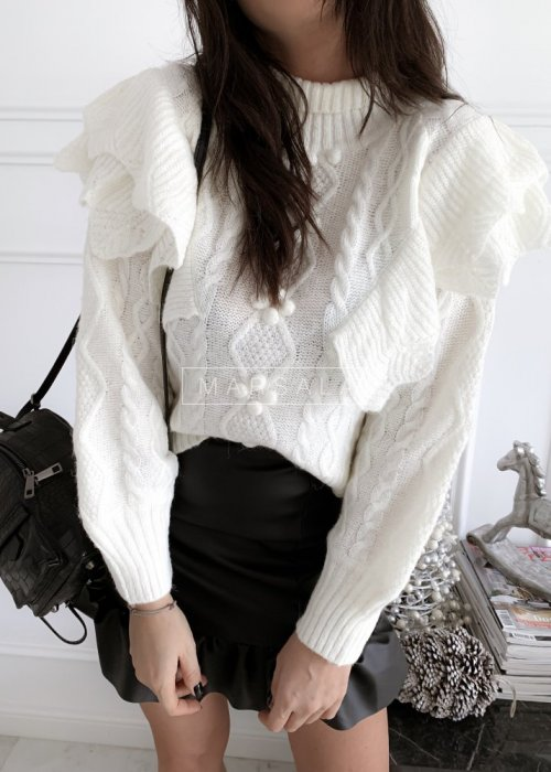 Sweter w kolorze ecru z falbankami i półgolfem - AVOLA