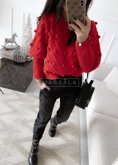 Sweter BARI z kuleczkami w kolroze czerwonym