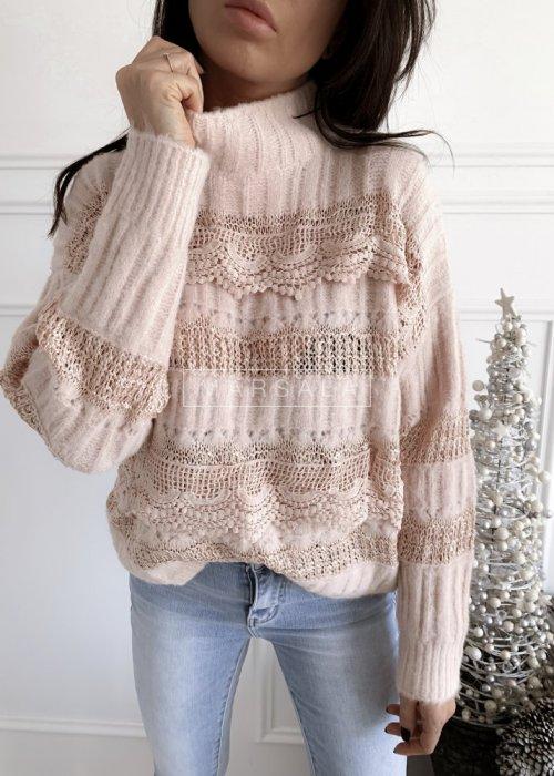 Sweter w kolorze pudrowego różu z koronką i półgolfem - ALICE