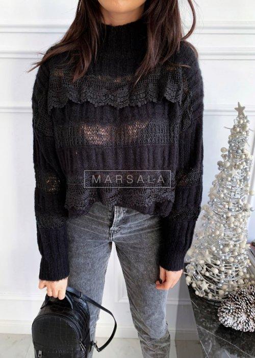 Sweter w kolorze czarnym z koronką i półgolfem - ALICE