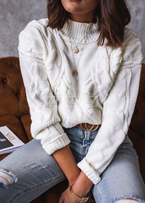 Sweter w kolorze ecru z pólgolfem i wypukłym wzorem - AMBER