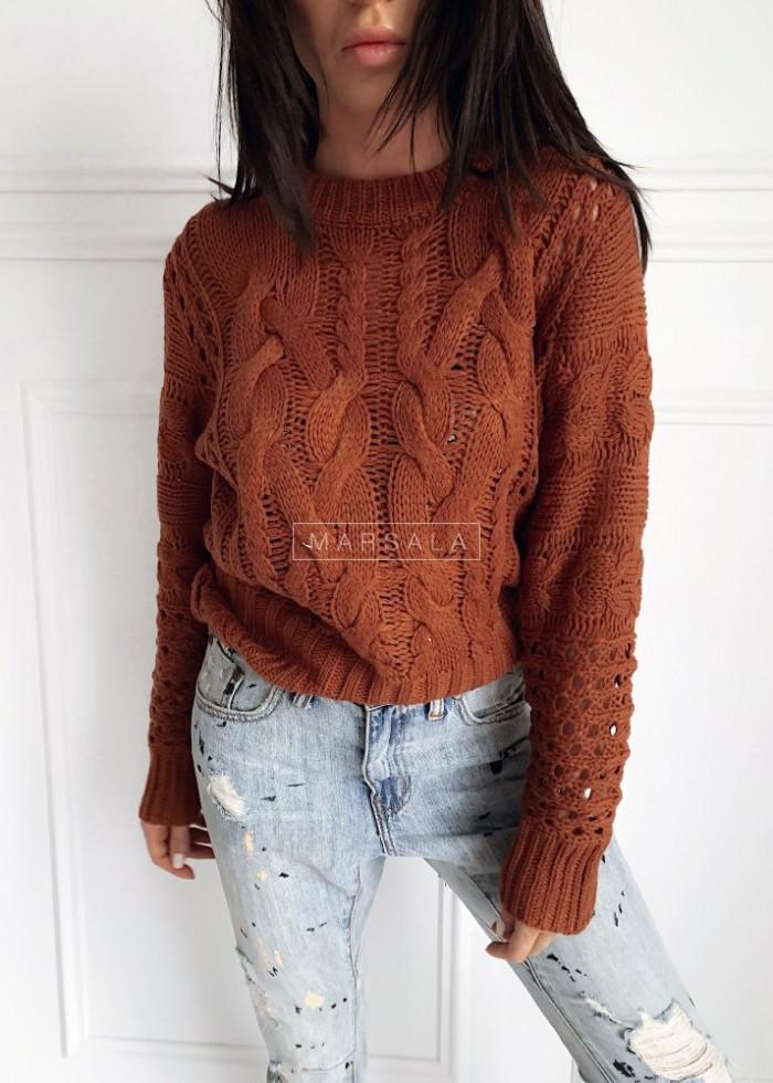 Sweter wykonany ozdobnym splotem ceglany - ROSSIE