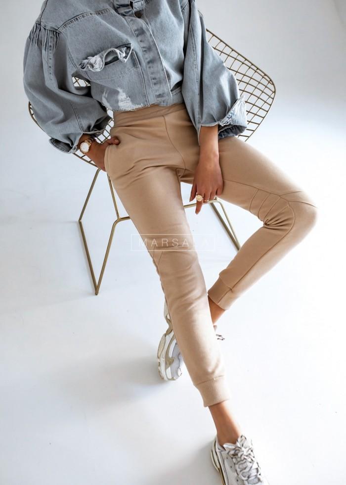 Spodnie dresowe w kolorze beżowym z przeszyciami - SIMON by Marsala