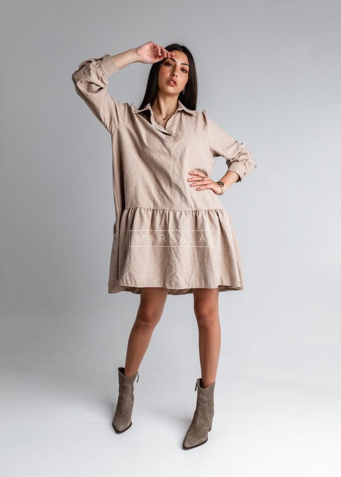 Gładka sukienka typu oversize z kołnierzykiem beżowa - CHICA