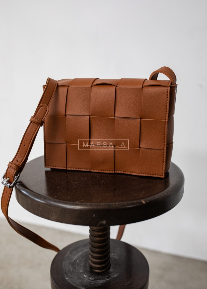 Intertwined chest bag in brown - CUADRO BROWN