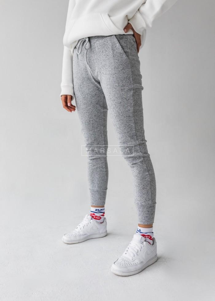 Spodnie dresowe w kolorze szary melanż z nakrapianiem - DUSTY by Marsala