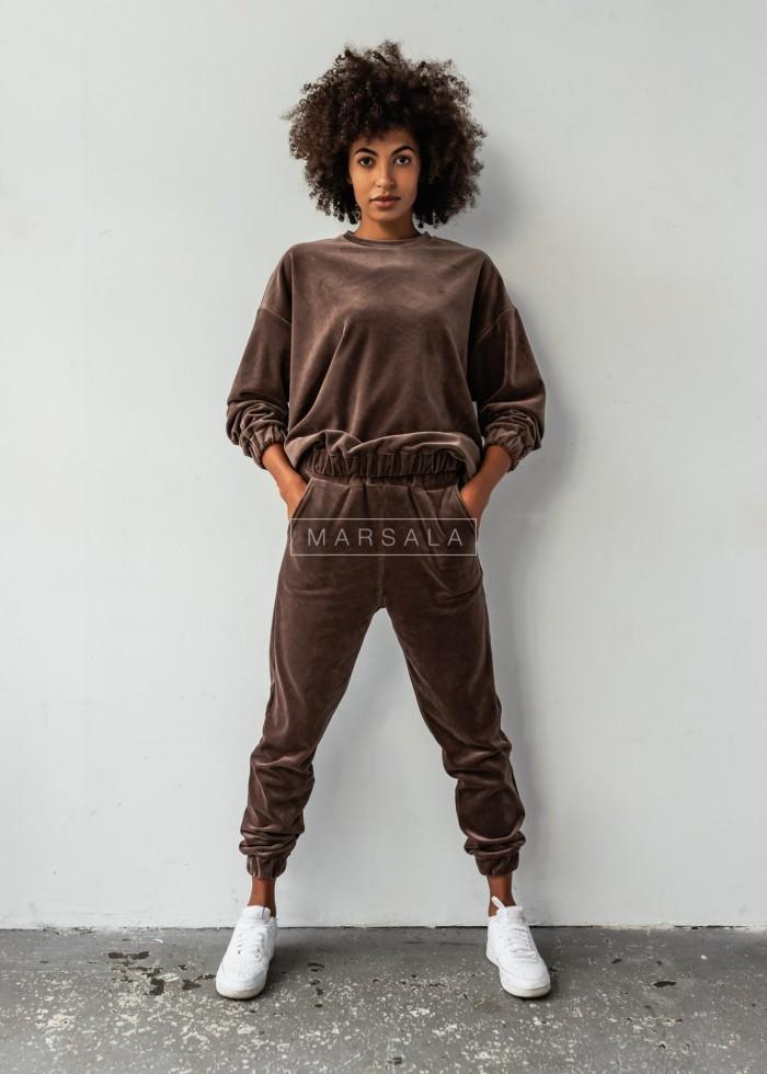Komplet welurowy VELVET BONITA spodnie bluza oversize BY MARSALA w kolorze ciemnobrązowym