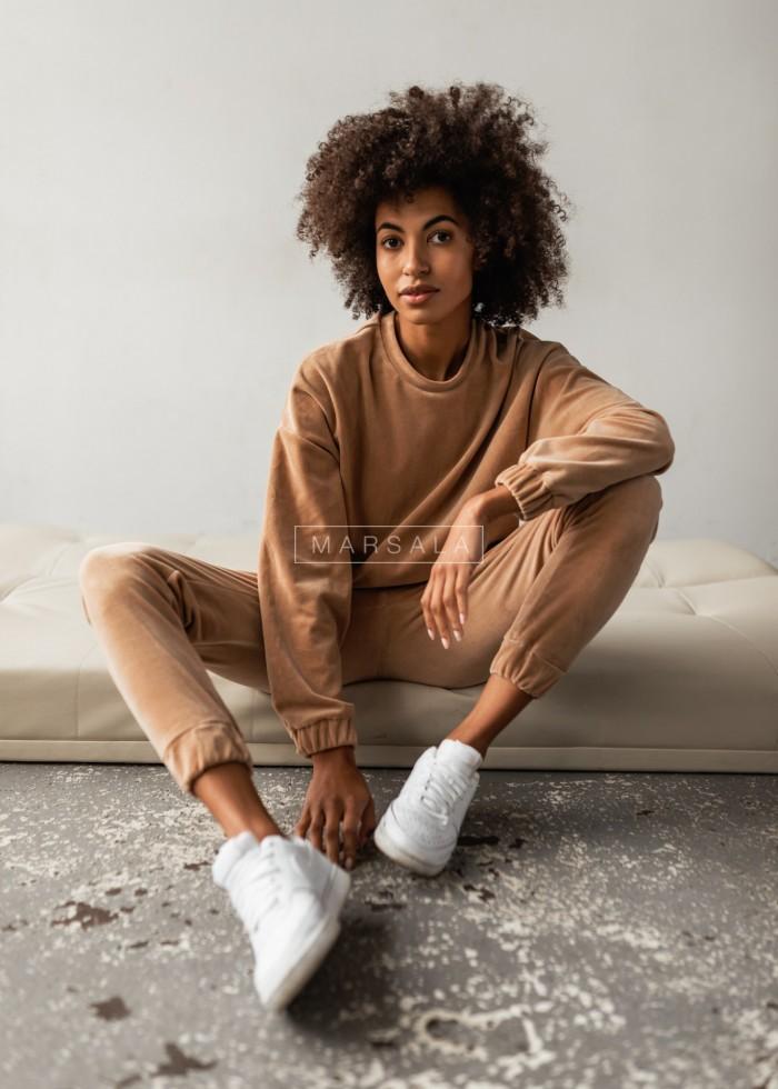 Komplet welurowy VELVET BONITA spodnie bluza oversize BY MARSALA w kolorze karmelowym