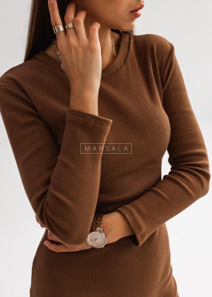 Dopasowana sukienka midi w kolorze brązowym KYLIE MIDI by Marsala