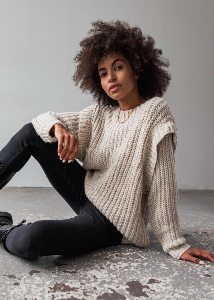 Sweter typu oversize z pagonami beżowy - CAMBRIDGE by Marsala
