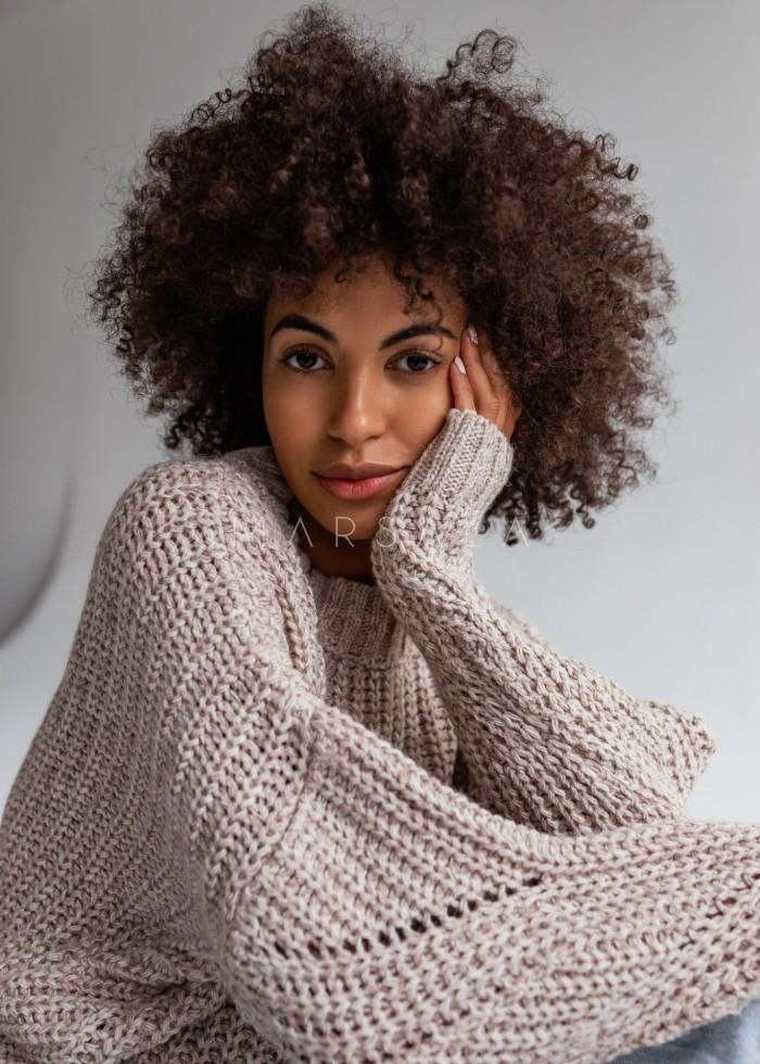 Sweter z ozdobnym splotem w kolorze jasnego beżu - VENEZIA by Marsala