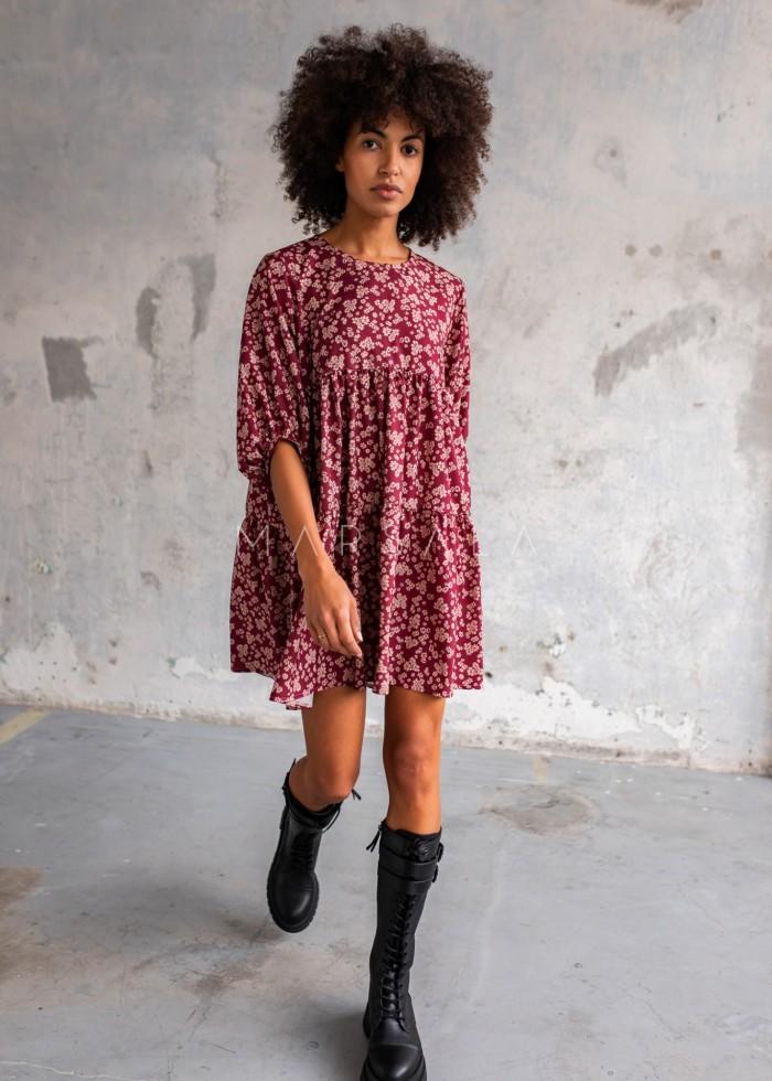 Sukienka oversize z przeszyciami bordo w kwiatowy print - BLUSH by Marsala