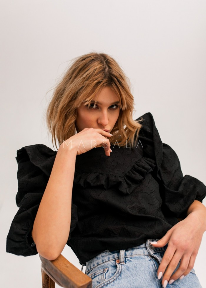 Bluzka z falbankami ze strukturalnego materiału czarna - ALICANTE by Marsala