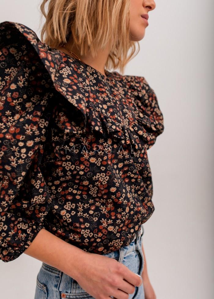 Bluzka z falbankami w kolorze czarnym z kwiatowym printem - ALICANTE by Marsala