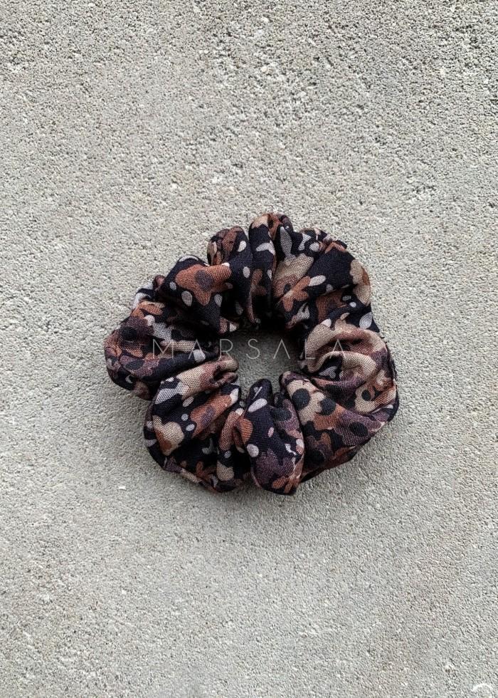 Gumka/frotka do włosów czarna w brązowo bordowe kwiatki - EMI by Marsala