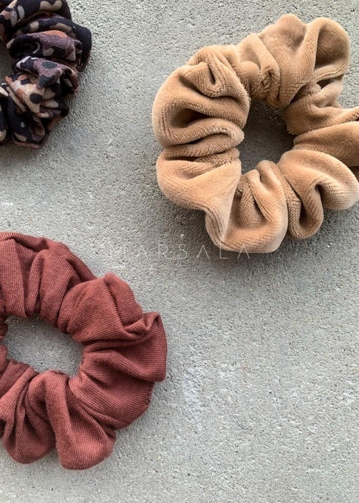Gumka/frotka do włosów welurowa w kolorze karmelowym - EMI by Marsala