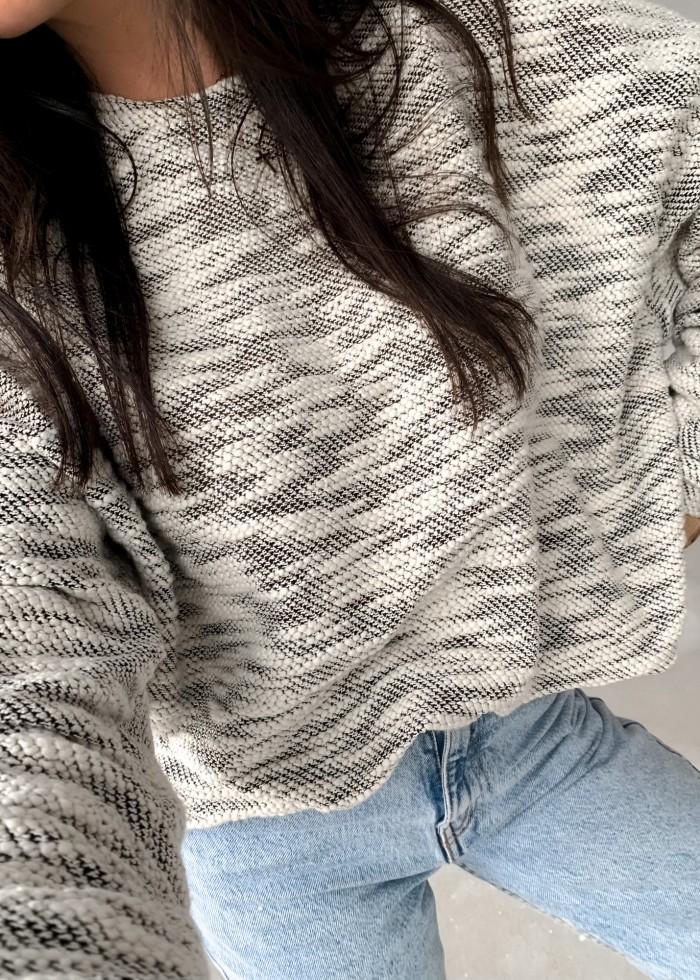 Bluza o kroju oversize ze strukturalnego materiału bukle - BRODIE by Marsala