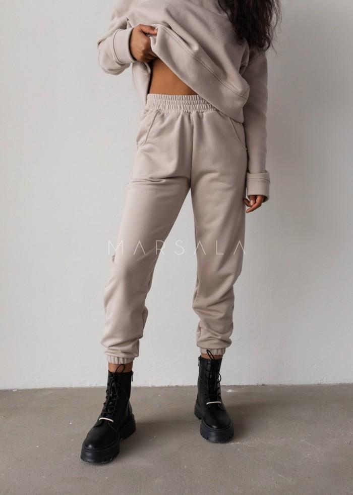 Spodnie dresowe typu jogger w kolorze COCONUT MILK - DISPLAY by Marsala