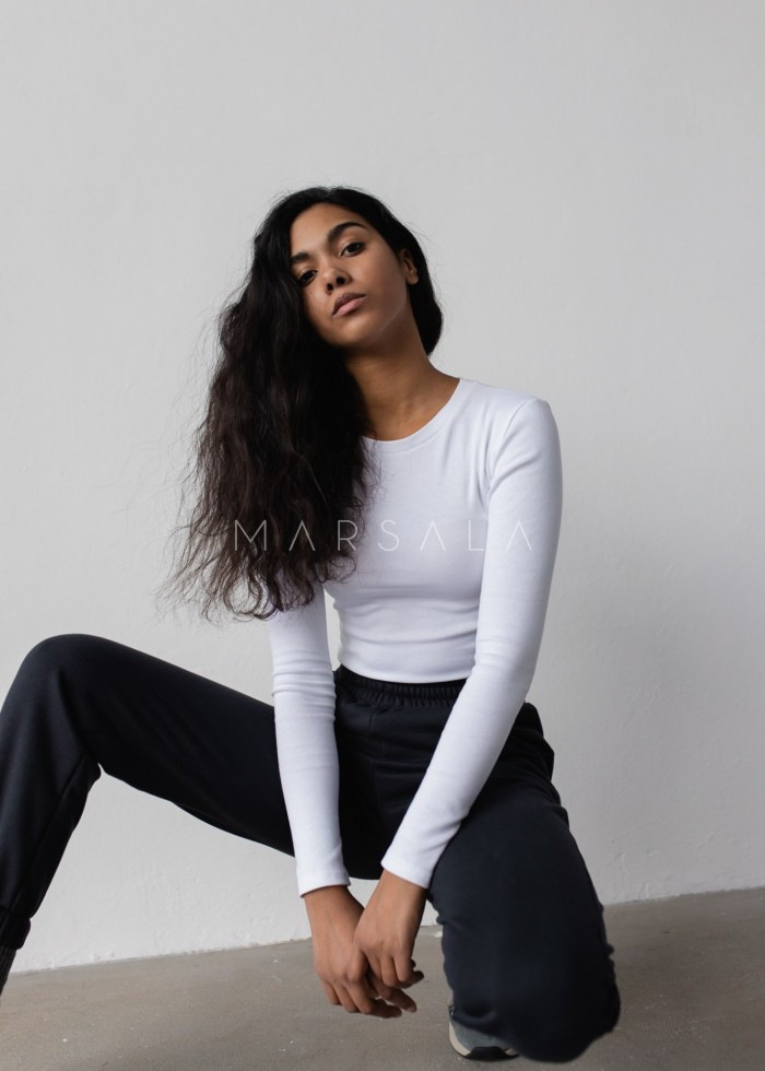 Fitted long sleeve top in ALL WHITE - MOODY BY MARSALA