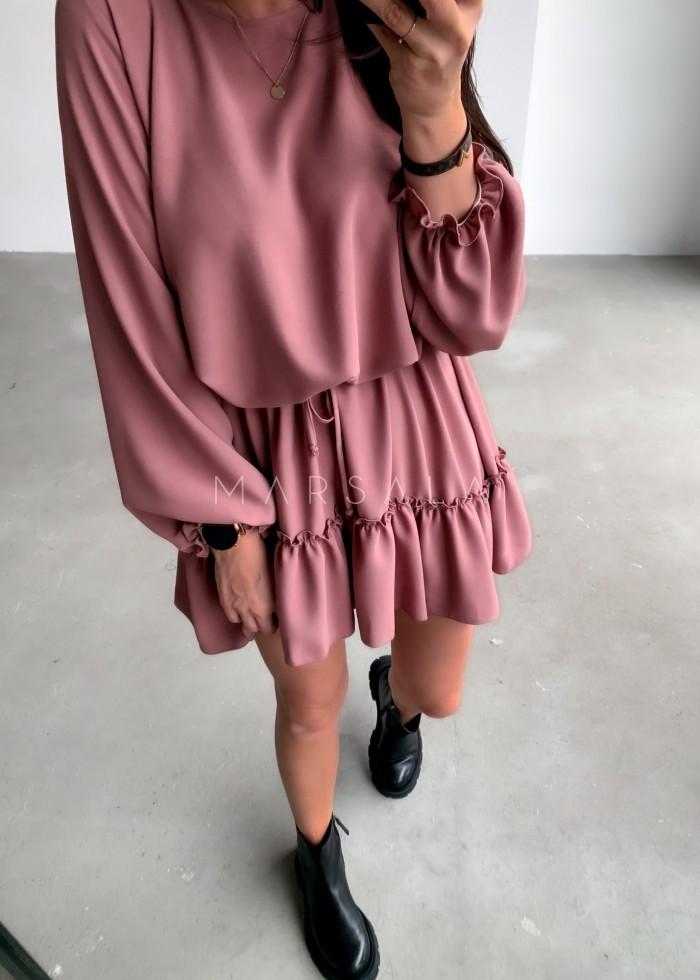 Sukienka gładka w kolorze brudnego różu z falbanką - MAYBE by Marsala
