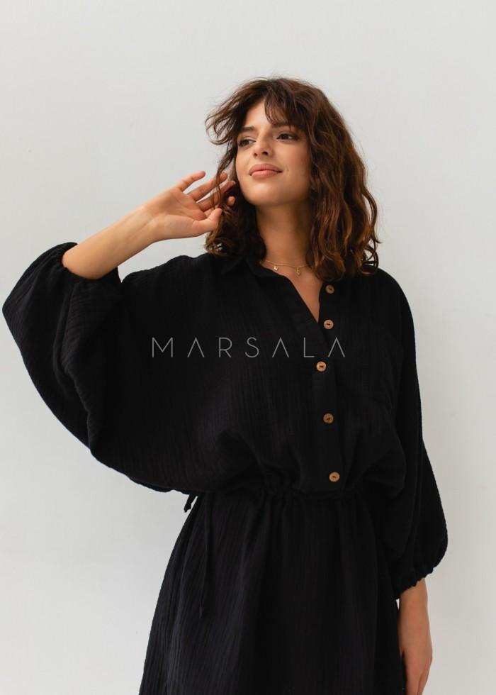 Sukienka typu kimono z muślinu w kolorze czarnym - SAVANNAH BLACK BY MARSALA