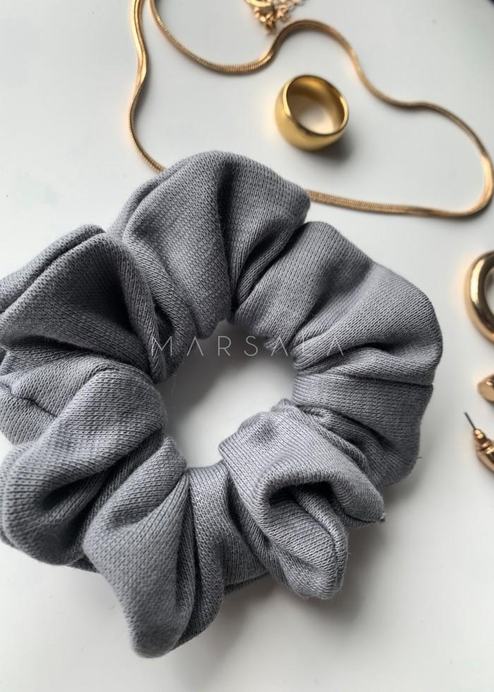 Gumka/frotka do włosów z dzianiny prążkowanej w kolorze ultimate grey EMI by MARSALA
