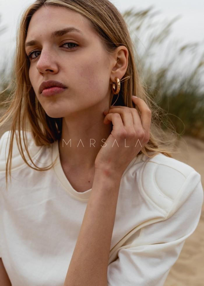 T-shirt damski z poduszkami na ramionach w kolorze CLOUD WHITE - SPECTRE BY MARSALA