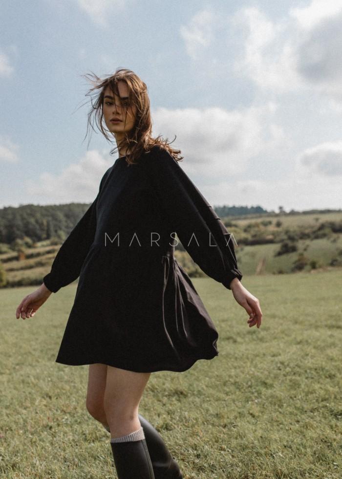 Gładka lniana sukienka oversize z dekoltem na plecach czarna - PIEDRA BY MARSALA