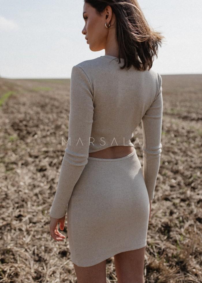 Sukienka prążkowana z wycięciem na plecach w kolorze BEIGE z dodatkiem lnu- ALTEA MINI BY MARSALA