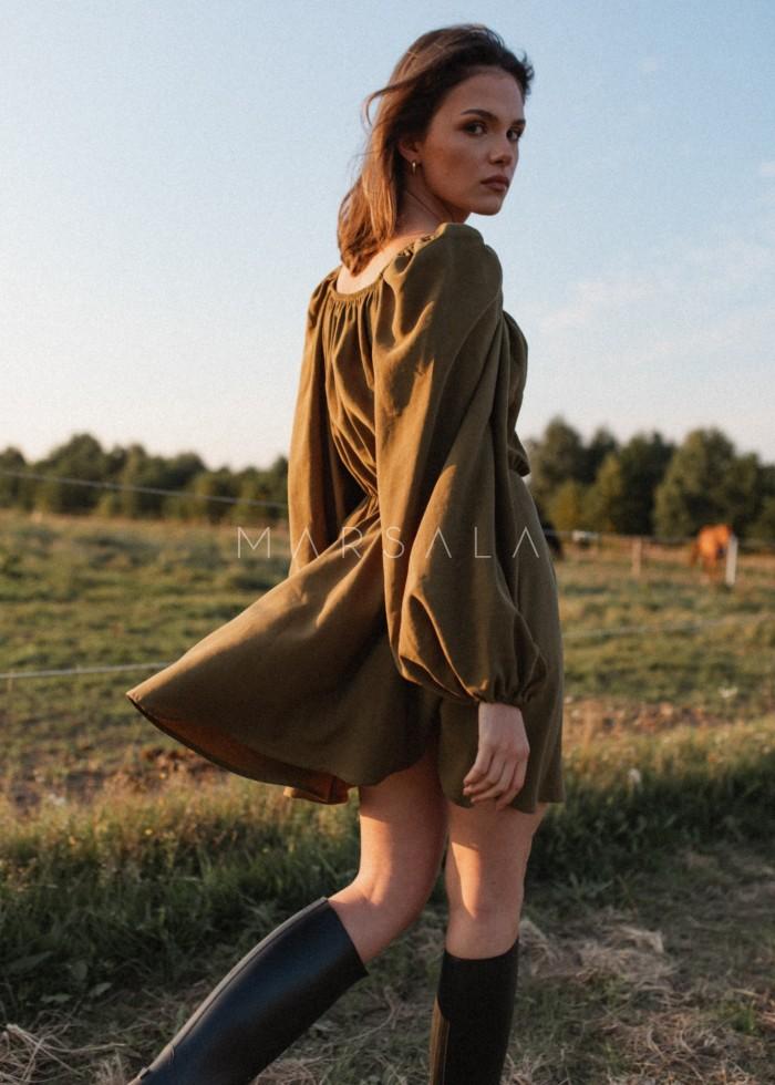 Sukienka z dekoltem na zakładkę w kolorze olive - SHY BY MARSALA