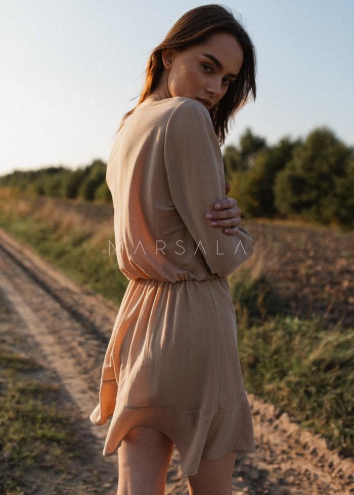 Sukienka z dekoltem na zakładkę w kolorze jasnego beżu - BIRMA BY MARSALA