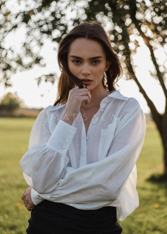 Koszula z bufkami na ramionach gładka w kolorze ecru - LIBRE ECRU BY MARSALA